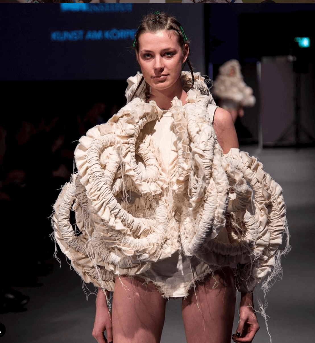 Show Me Duesseldorf Fashion Design Institut